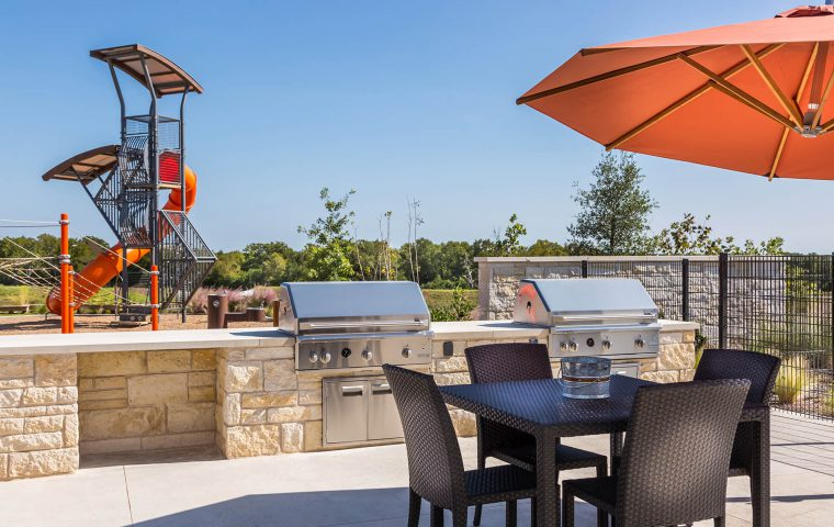 Outdoor Grilling & Dining Area